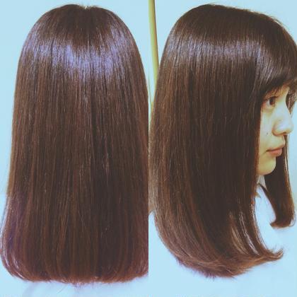 セミロング ミディアム ワンレングススタイル! くせ毛でダメージ毛でパサパサの髪だったのですが、まとまりのあるつやつやな髪になりました! 段やセニングは入れないで最後アイロンでワンカール内巻きにしてナチュラルな感じに仕上げました!