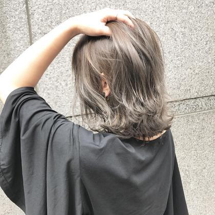 グレージュ❤ブリーチ、ハイライト、グラデーション❤ moeRi.Nのヘアカラーカタログ