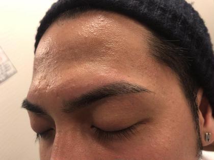 シュッとした眉毛!綺麗に整えます! 男性も眉毛を気にしてみませんか? エサージュ銀座所属・松本あゆかのスタイル