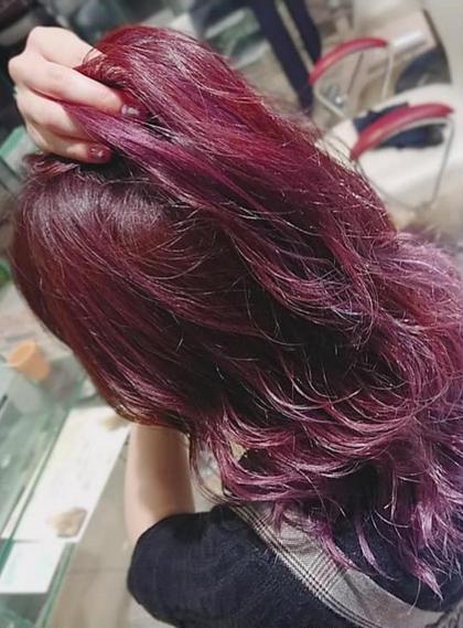 HAIR&MAKE EARTH 大分店所属の足立恭輝