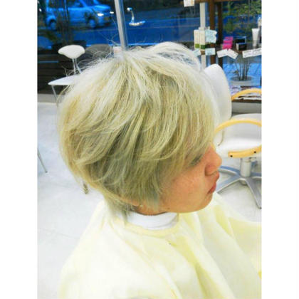 Hair Design Bliss所属の青柳 織恵