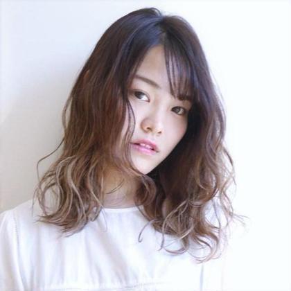 ラシェンテ  みのおキューズモール店所属のヘアカラー専門美容師 山田一徳