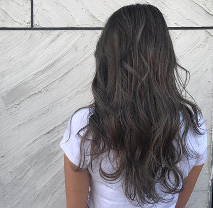 hair&makeEARTH札幌駅前店所属の竹内実咲