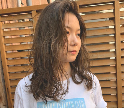 ungu hairlabo所属の本橋亜央衣