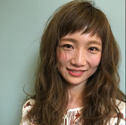hair loungeungu所属の我妻泰葉