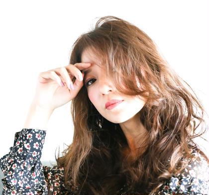 HAIR&MAKElarge〜ラルジュ〜所属の佐藤慎哉