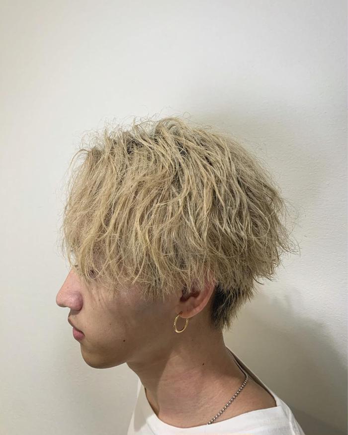 メンズ 短髪 パーマ ツイスト メンズツイストパーマのかけ方と強さ&持ち!おすすめ髪型10選も紹介