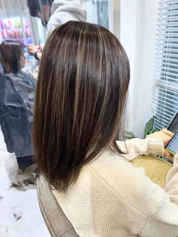 レイヤー ミディアム 美容師が語るミディアムにはレイヤースタイルが最も似合う理由【2020年版】 ミディアム