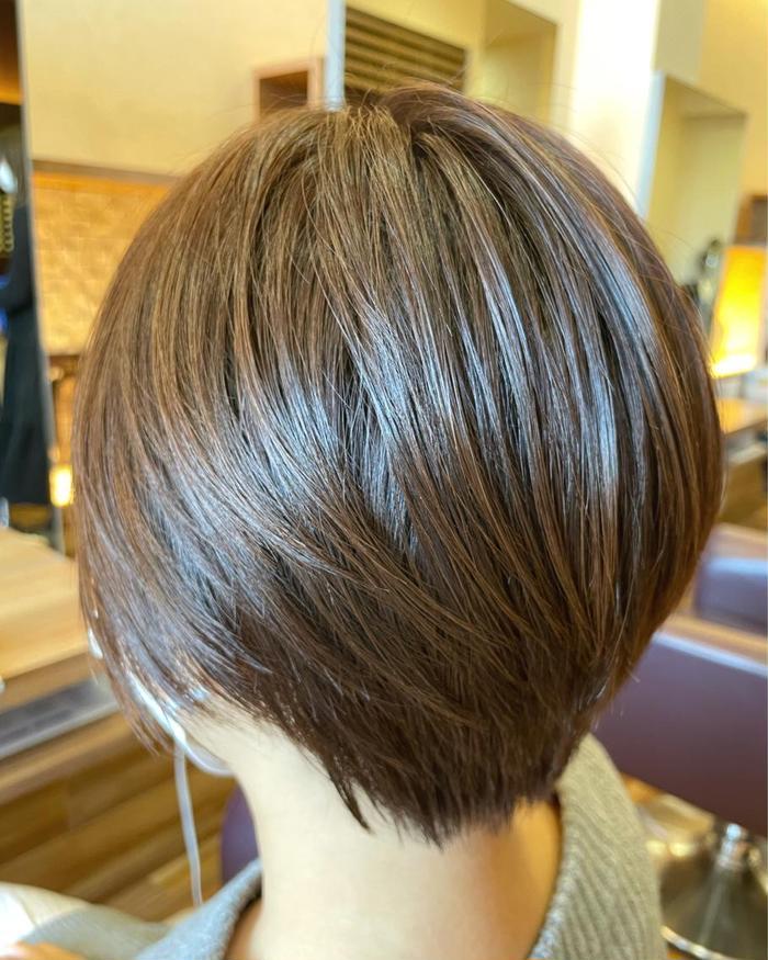 カラー ショート カットバランスを重視してカットしました(^^)‼️ いつもまとまらない人にオススメです。  その他、メニューいろいろあります🙋🏻 #吉岡美容室#富谷美容室#カット#イルミナカラー#渡辺康介#美容師#オージュア#ボブ#バッサリ#first#髪質改善#大和町美容室#Breath
