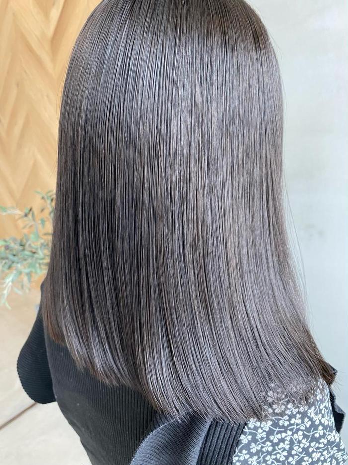 その他 カラー ネイル ヘアアレンジ マツエク・マツパ ミディアム 夏に合わせて髪色も変えてみませんか? ライフスタイルにあったカラーをさせていただきます また、暑くなると髪もダメージしやすくなるので、その前に‼️#髪質改善トリートメント ぜひ、艶髪を手に入れましょうまし! ぜひ、なんでもご相談ください^ ^  5月のご予約お受けできます! 平日がすごくオススメ! コロナ禍で中々怖くて行けない方! ゆっくりしてますし、店内は広々としていて ソーシャルディスタンスを保ってますので ぜひ、ご安心ください!  月曜日も営業してまーす!  あなたの理想に全力で向き合います!  お洒落カラーでhairを楽しもう😆  ⚠️当店は新型コロナウィルスの対策もしっかりしてます!スタッフのこまめな手洗い、うがい、消毒などしっかりして、営業させていただいてます!マスク不足の為、マスクつけれないスタッフもいます。 お客様毎にセット目などアルコール消毒もしています! お客様に安全に安心してご来店いただけるようスタッフ一同意識して、営業させていただきますので ご来店お待ちしております! ⚠️また、お客様にもご協力お願いします! 入店時にアルコール消毒の方よろしくお願いします! また、少しでも体調が悪かったり、咳など発症する場合ご来店をキャンセルまたはご変更の方よろしくお願いします! 今、大変な時期ですが皆さまで協力して 乗り切りましょう☀️🥴 〜 challenge myself to new things〜 ☆アレンジしても可愛いスタイルに ☆バッサリ切りたい方 ☆どんなスタイルが似合うか悩んでる方 ☆透明感あるカラーがしたい などなど ○カット+シャンプー3200 ○カット+炭酸クレンジングスパ4200 ○カット+艶カラー+ TOKIOトリートメント10000 ○カット+N.カラー6500 ○大人気カット+ TOKIOトリートメント+ N.カラー9500 ○カット+ TOKIOトリートメント5900 ○カット+ハイライト+ N.カラー11500 ○カット+デジタルパーマ+TOKIOトリートメント10500  Ursus hair Design金沢竪町店 駅からバスで15分🚌 片町停留所から歩いて3分 わからない場合はお電話いただけたら ご案内いたします🙇♂️  他にも沢山お得なクーポンをご用意しております!カウンセリングでお客様にあったクーポンにご変更も可能です! 是非、気軽にご相談ください! 営業時間は 朝9時〜21時までです! 21時以降はご連絡いただけたら、対応可能です^ ^ お仕事帰りなども是非気軽にお立ち寄りください! 車でのお越しの際は近隣のコインパーキングにお止めください^_^  #ロングレイヤー#前髪#ベージュ系カラー#色っぽボブ#外国人風カラー#海外セレブ#ふわミディ#外国人ファッション#akiスタイル#金沢#片町#hair#highlightcolor#winter#model #抜け感ヘア##photooftheday#instagood#like4like #lifeisgood#instapic#ロブヘア#ミディアムレイヤー#20代#30代#40代#大学生#主婦の味方