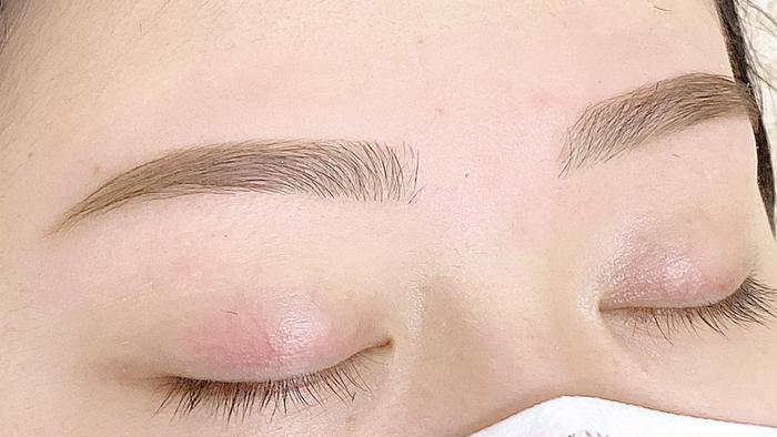Eyebrow  Salon Mira所属・蜂巣 りほの掲載