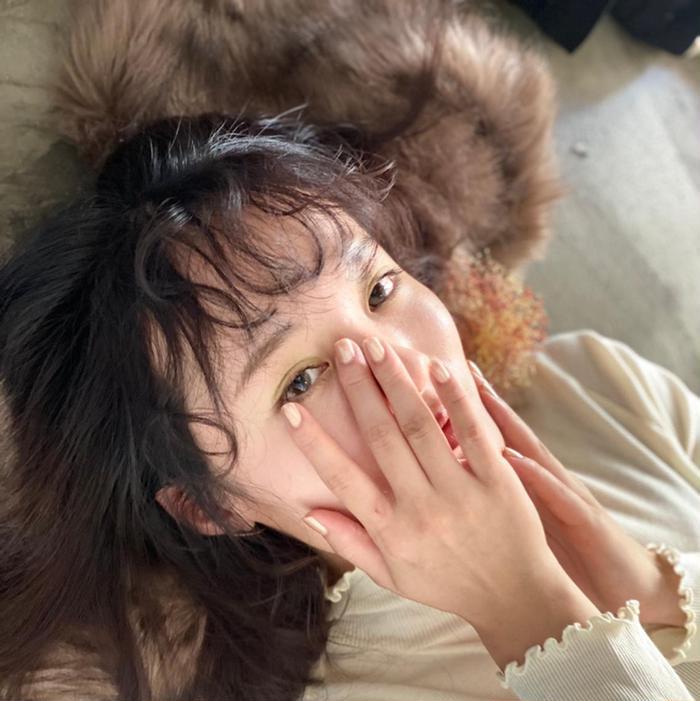 REVIE  HAIR所属・ベビーカラーリスト カノンの掲載