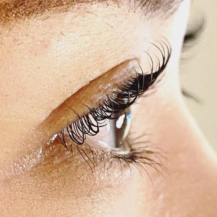 REGISTA  eyelash/relaxation所属・REGISTA 柳川の掲載