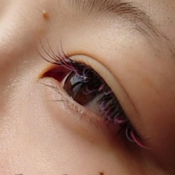 eyelash  by  gemm所属・谷井 めぐみの掲載